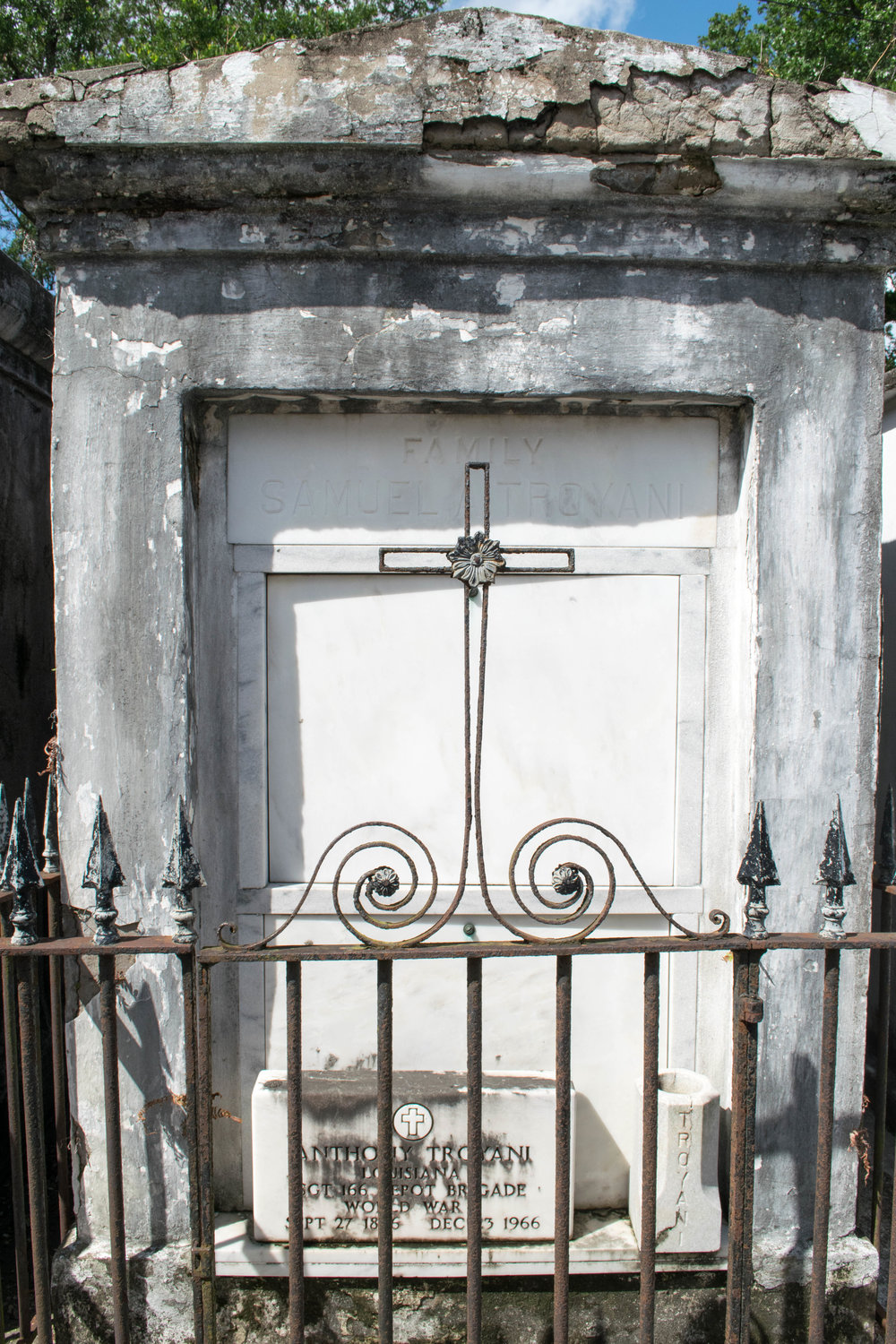 the way of death in new orleans a cemetery tour style guide to grief