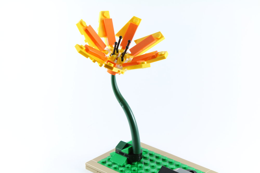 LEGO-21301-Birds-Flower-Stalk.jpg