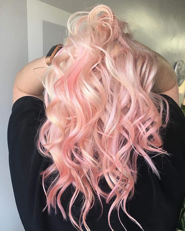 Love is in the hair 💕 . . . ✂️ Burke Hair Lounge 📍 515 Lawrence Ave, Kelowna BC 🗓 Open 7 days a week 📲 236-420-2949 . . . #hairlove #hairgoals #beauty #pinkhairdontcare #barbie #barbiedreams #curls #burkehairlounge #healthyhair #kelownanow #kelownahairsalon #downtownkelowna #kevinmurphy #pulpriot #instahair #lookoftheday #supportlocal #locallove #hairgram