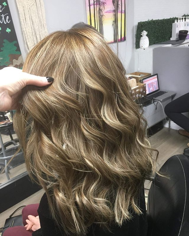 Finishing off the week with some fresh locks for @jessicalake123 . . . #kevinmurphy #km  #businessbabes  #beautylaunchpad #haironfleek  #bestsaloninkelowna #kelownasalons #crueltyfree #colormelt #hairstyles #behindthechair #hairbrained #imallaboutdahair  #btcpics  #kelowna  #kelownafornia #kelownahair #kelownahairstylist #naturalbeauty #hairjourney #burkehairlounge #behindthechair #hotonbeauty  #stylistssupportingstylists #ylw #irishhairflair #b3 #hairvideos #hairtutorials