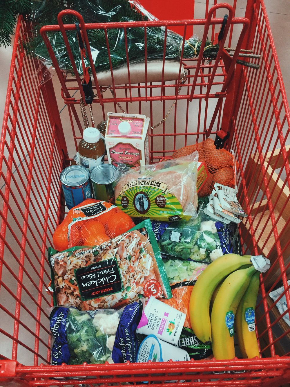Grocery store diaries… - Is there a Trader Joe's fan club? Because I should definitely be in it. Here, I'm sharing all my must-haves from the store, and I'll be updating it every so often! Let me know if you have a Trader Joe's recommendation by leaving it in the comments below!