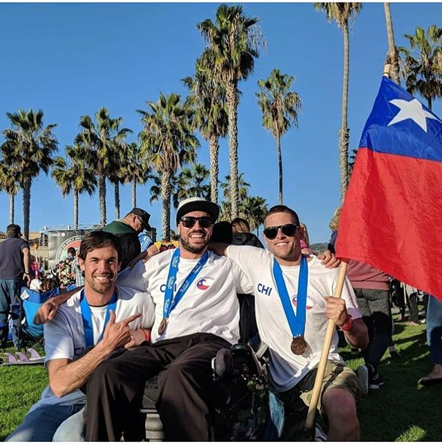 What a gift from @claudyeew @josenachovargas @isasurfing for @romulous_versopulous & I to assist Claudio & team Chile in the ISA World adaptive surfing championships in La Jolla earlier this month. 23 countries competed, we left with the bronze medal for a 3rd place Finnish. Fingers crossed we do it all again next year in Japan! 💗💪🏾🌊👏🏽