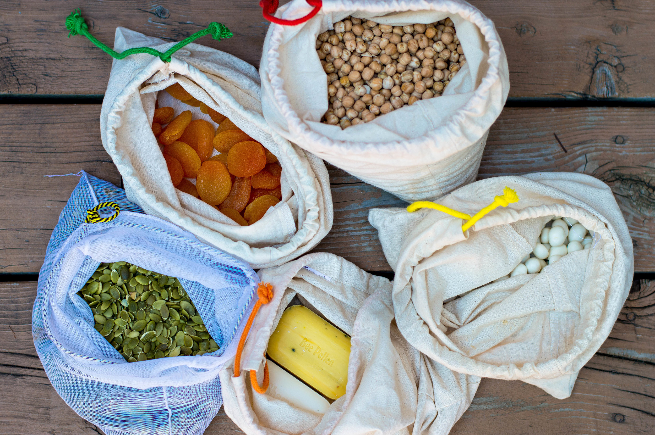 A beginners guide to zero waste living for busy mums using Cloth Bags for food