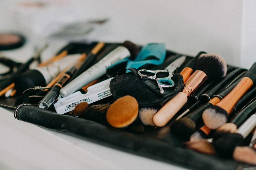 Welches Makeup eignet sich für Bewerbungsfotos? Wie sollen meine Haare für das Bewerbungsfoto liegen? Unsere Visagisten helfen Ihnen professionell und sicher!