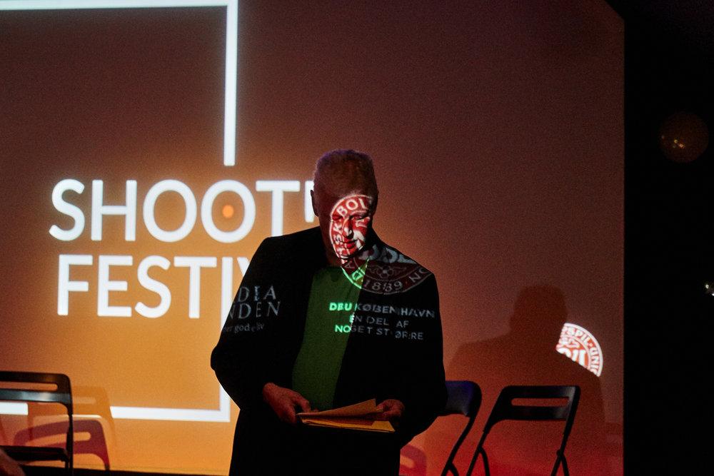 Film fra Shoot! festivalen kan efterfølgende vises i din forening. Kontakt Shoot! for mere information.