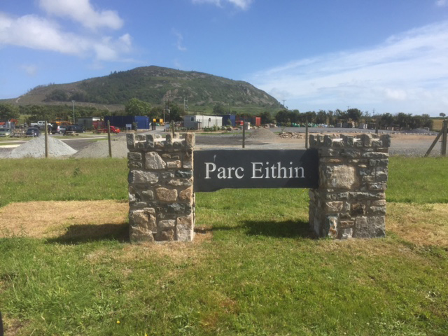Welsh slate sign commissioned for Parc Eithin, Nefyn
