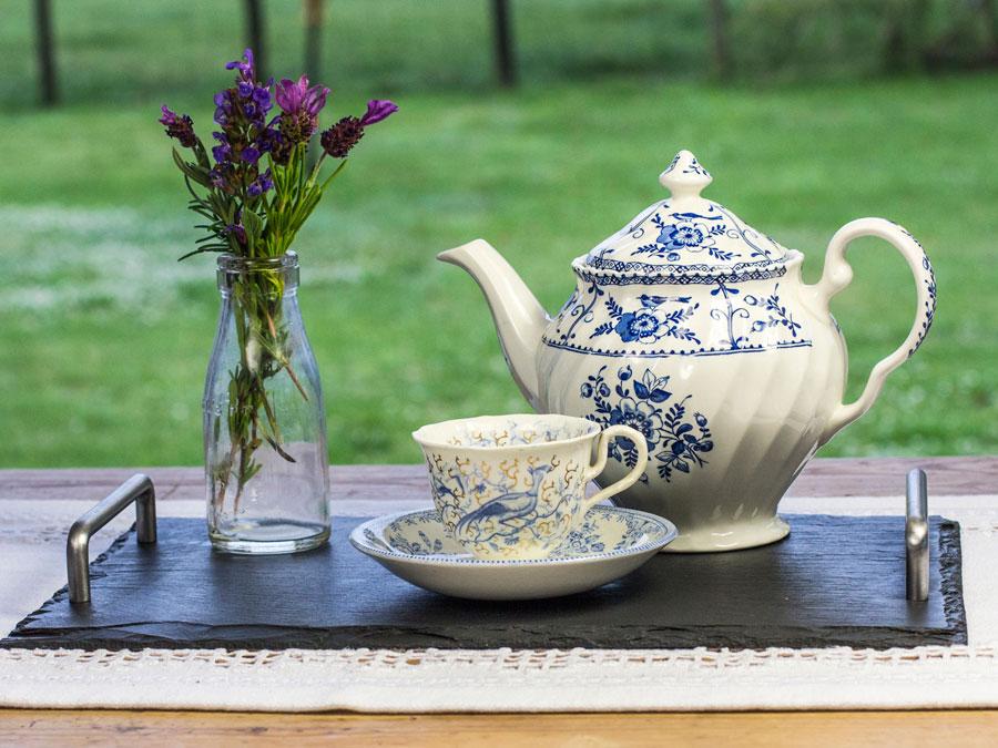 www.grasi.co.uk-welsh-slate-serving-platter.jpg