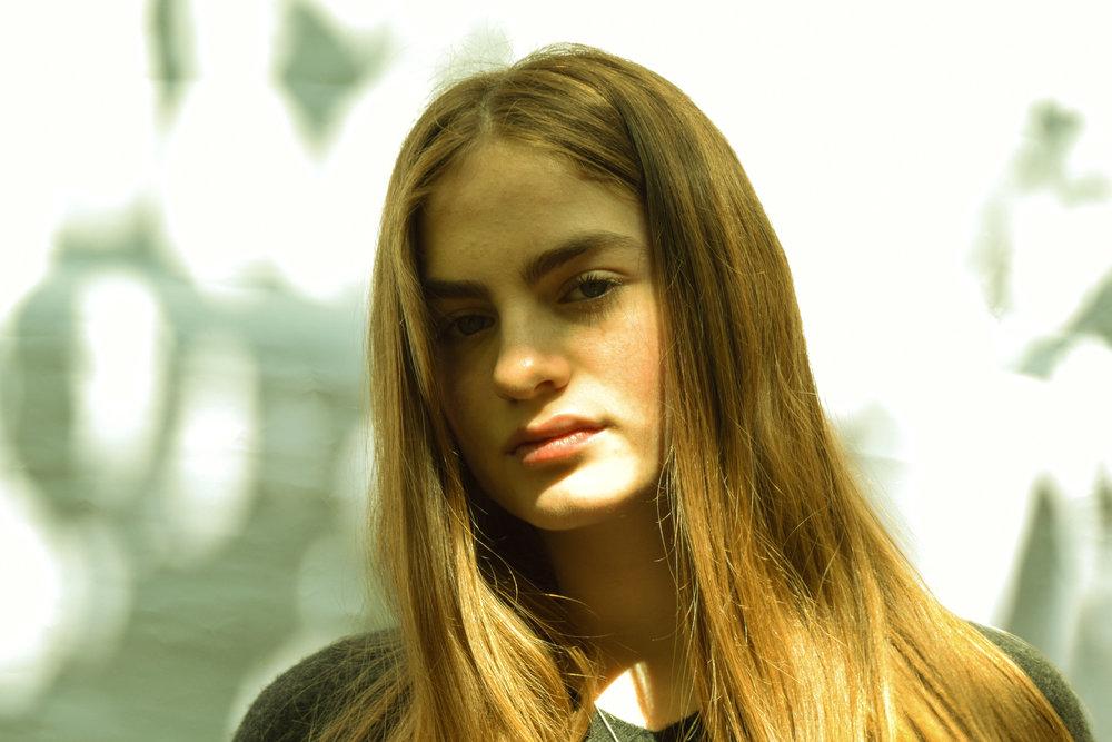 Model: Thea