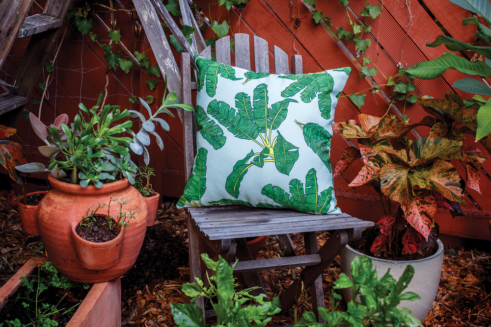 palm-print-pillow-green2.png