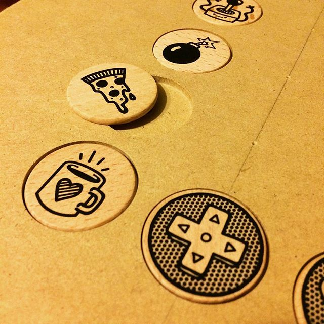 Here's that custom pallet I made to print on these wooden medallions. Works flawlessly, couldn't be happier! - - - #diy #woodworking #screenprinting #blackink #gettingitdone #illustration #doodle