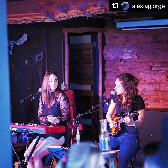 #Repost @alexiagiorge with @get_repost ・・・ i miss making music with this one 🖤 @ileananina  #sisters 📷 @mike.fruit