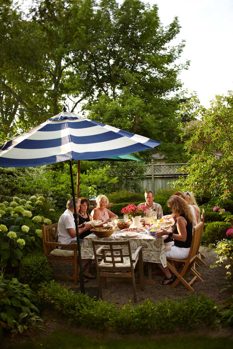 Garden Summer Entertaining Dining