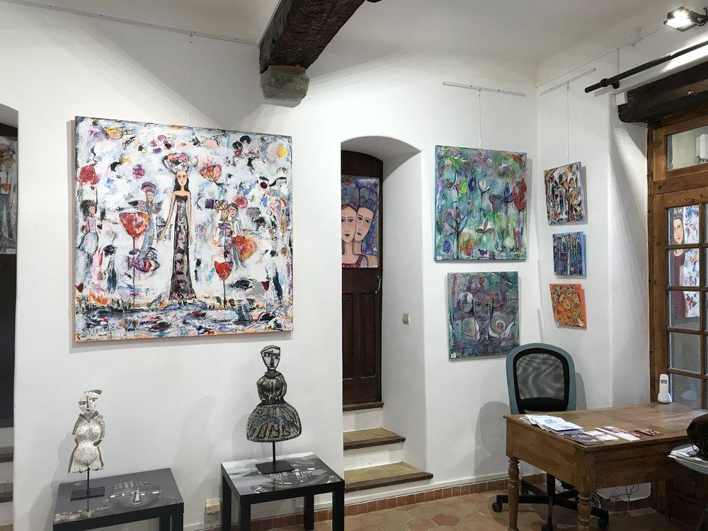 A l'intérieur de la galerie