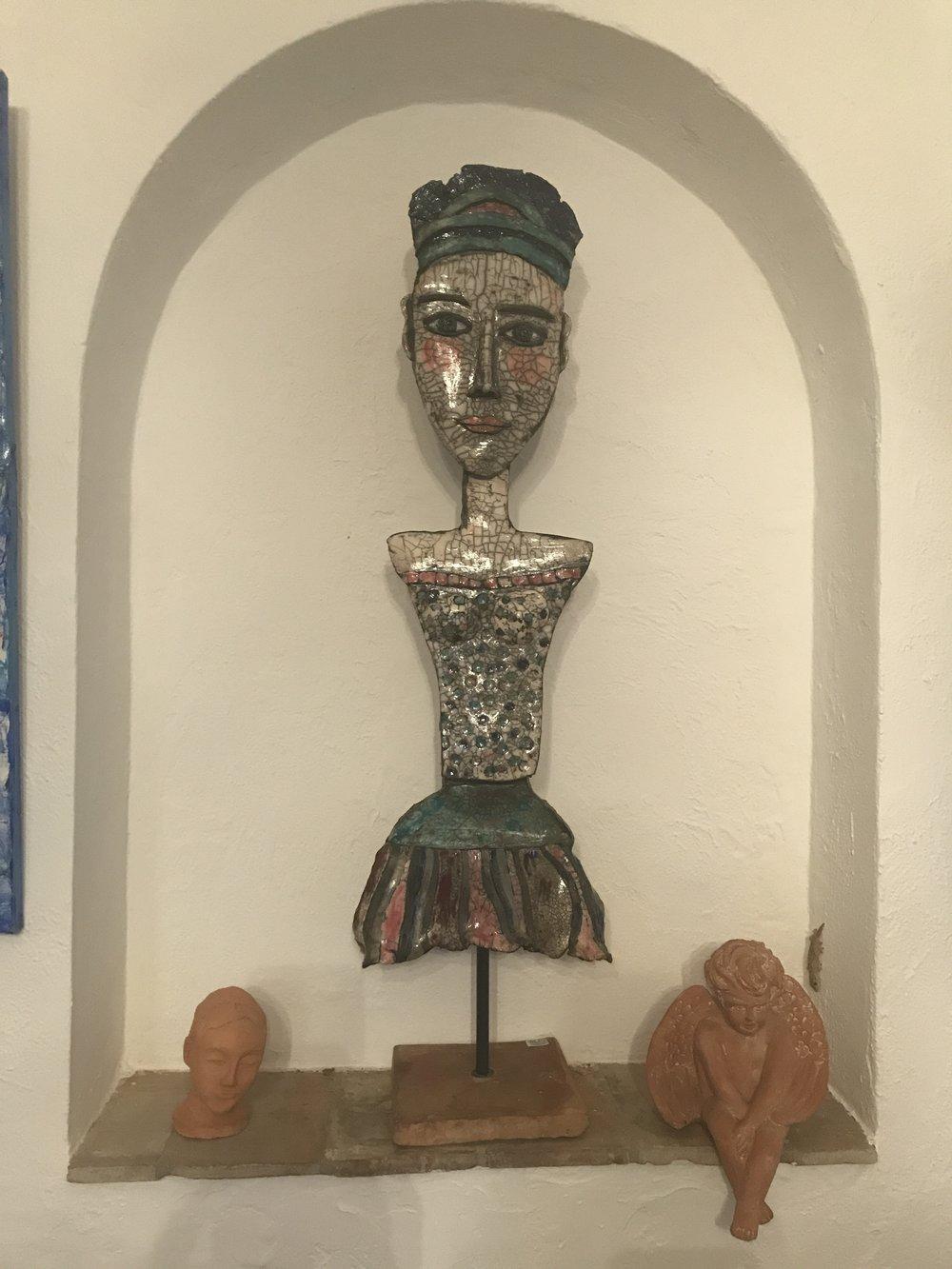 """""""Maya"""" sculpture Raku, 80 cm."""