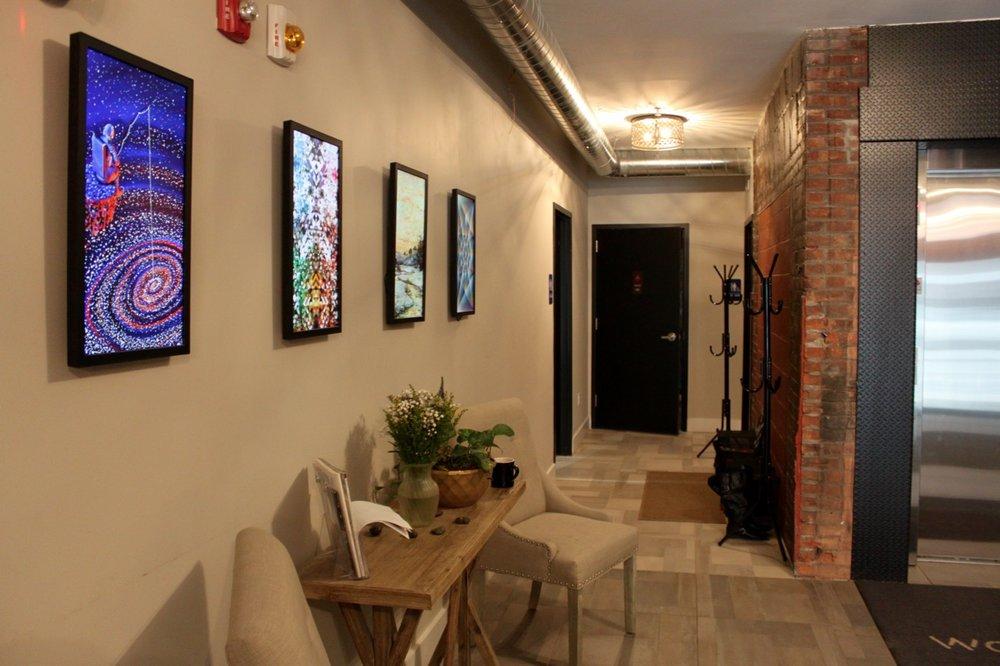 Pele-Hallway.jpg