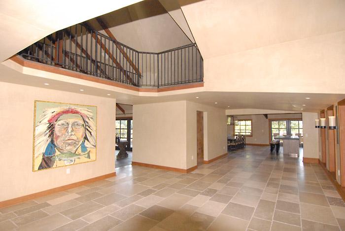 St. Helena (foyer)