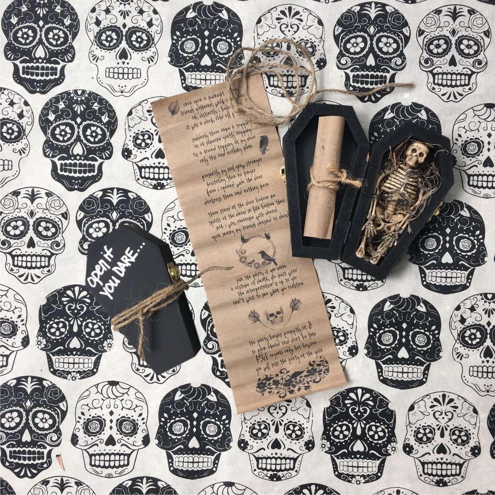 Halloween Invitations - Coffin with Skeleton