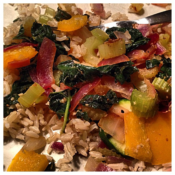 {dine} in the kitchen again! #healthy #vegan #cooking #redonion #celery #garlic #pepper #zucchini #kale #brownrice #coconutaminos #nomnom #bjsfitandfabulous