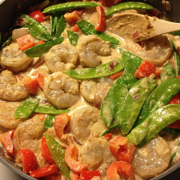 {dine} green curry shrimp for dinner tonight #healthy #paleo #bjsfitandfabulous #nomnom