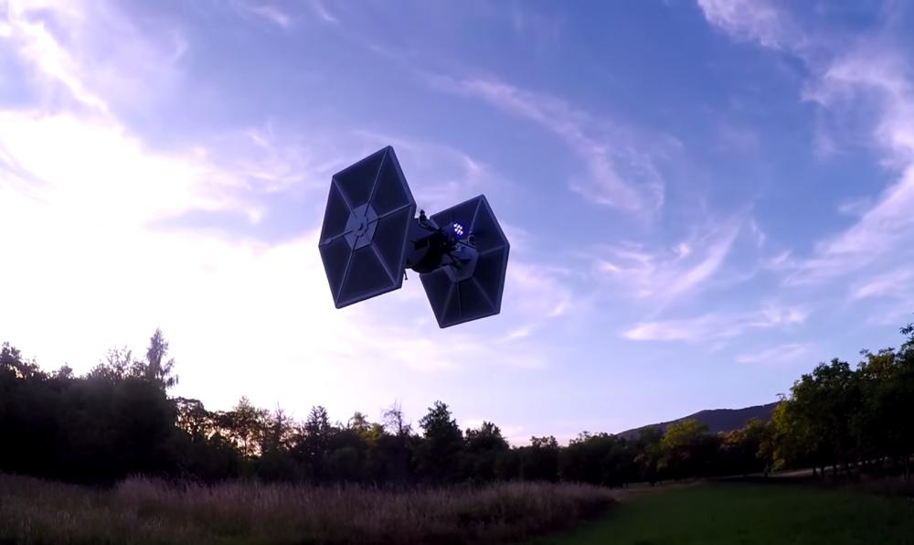 drone-tie-fighter droni ispirati a star wars novità droni 2018.png