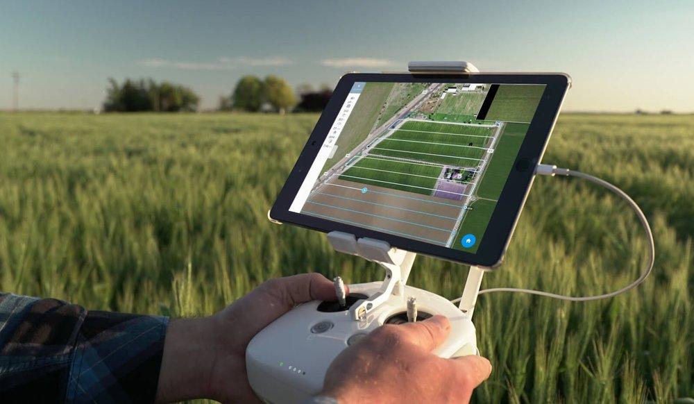 DRONE AGRICOLTURA DI PRECISIONE PIEMONTE.jpg