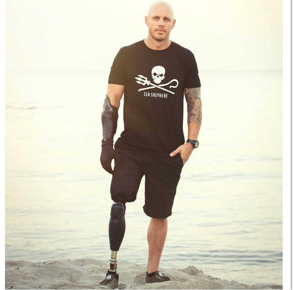with Paul de Gelder - Navy Diver, Shark Attack Survivor and Host on Discovery's Shark Week