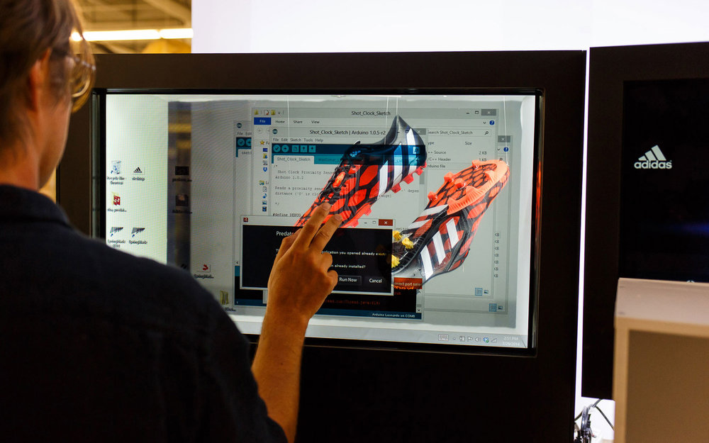 1-Adidas_Slide2_02.jpg