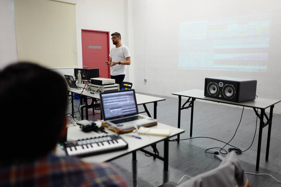 Atropolis teaching a workshop in Singapore at Loop Academy (photo by Focal Singapore)