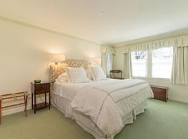 King Suite Inn, private bath