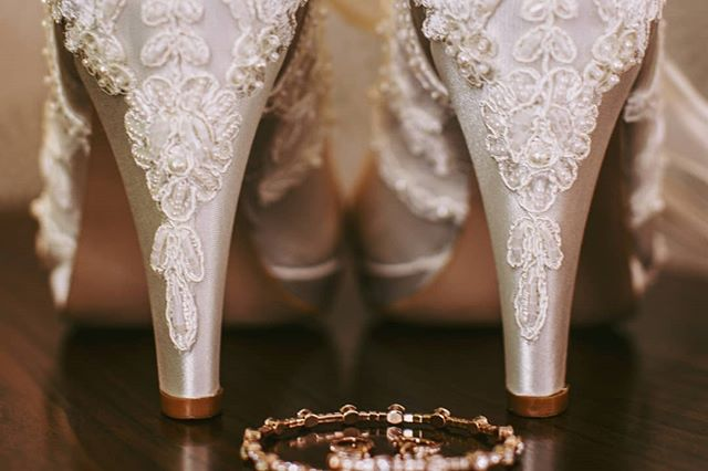 Finishing up my last wedding gallery of the year and.....SHOES 😍 These custom made beauties were a favorite this year!  #wedgracefully