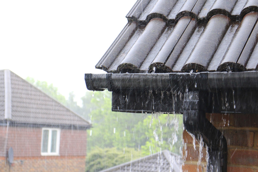 gutters on home in rain.jpg