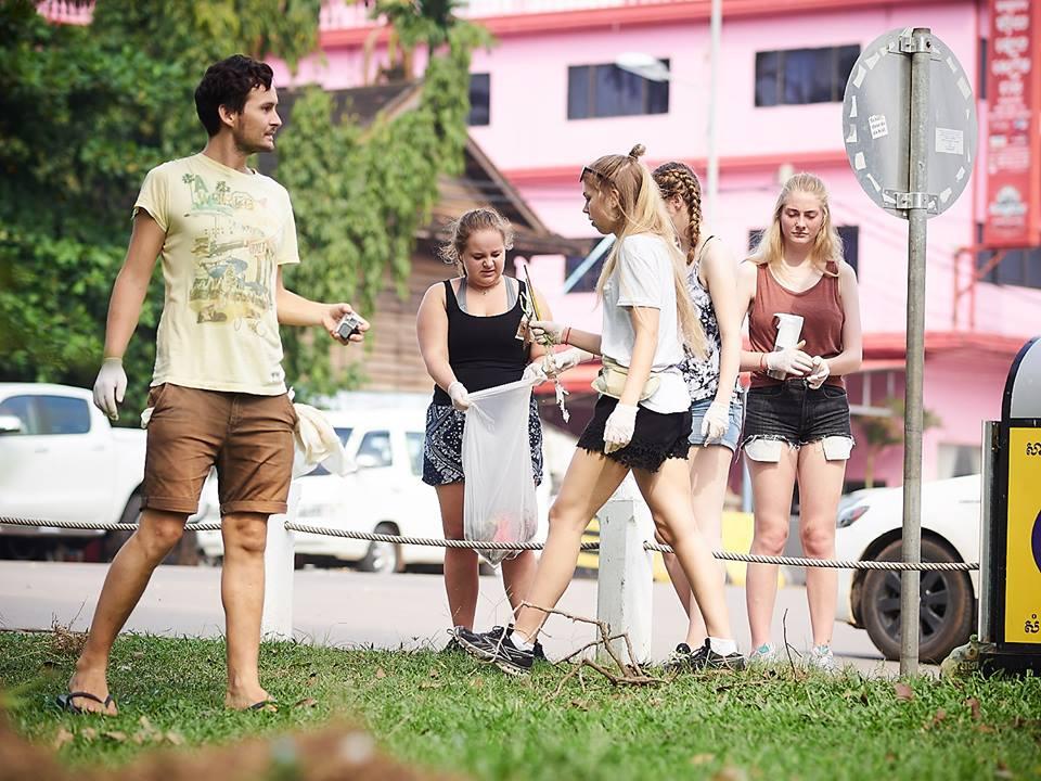 Solborg elevene plukker søppel3.jpg