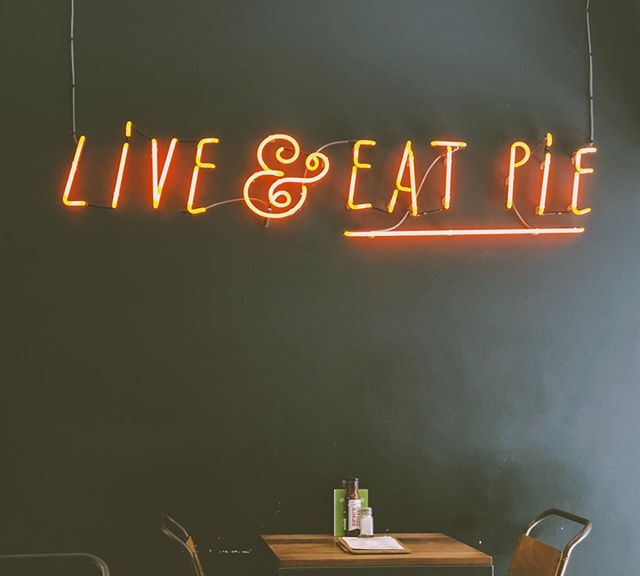 Wise words that I can live by.. 😂😍😍 #Manchester #liveandeatpie #pieminister #northernquarter #tasteintravel #passportexpress #instapassport #planetdiscovery #exploringtheglobe #doyoutravel #travelgram #alwaysgo #exploreeverywhere #welivetoexplore #adventurethatislife #exploretocreate #stayandwander #lifeofadventure #liveauthentic #forahappymoment #travelersnotebook #travelwithme #travelblog #travelblogger #pursuewhatislovely #postitfortheaesthetic #livethelittlethings #prettylittlethings #lovelysquares #pursuepretty