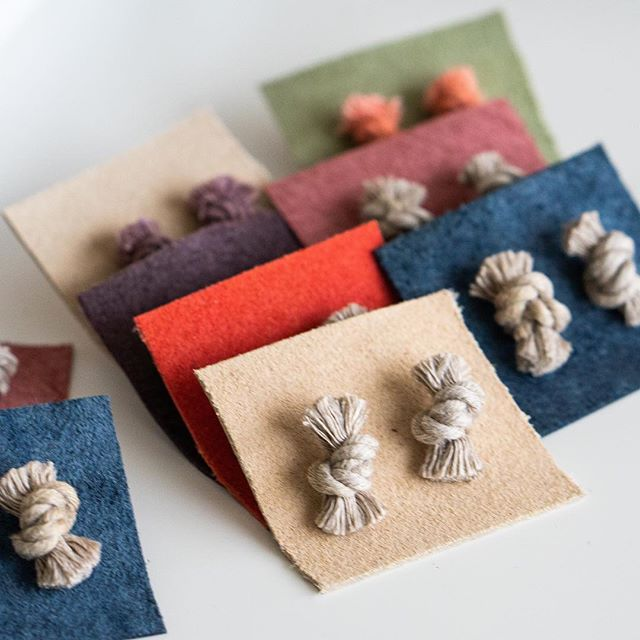 Our knot earrings are all handmade by founding member @karibreitigam & come in 4 different colors—natural, marigold, coral, & lilac. #pretticoolearrings #pretticooljewelry