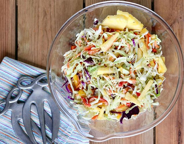 It's warming up this week, which makes me wanna grill out and have picnics ☀️ This pineapple slaw is the perfect side dish just for that! Put it with burgers, BBQ, ribs, bratwursts, anything! It's yummy and even #whole30compliant.  Get the #recipe at the link in my profile. #yum #paleo #coleslaw #pineapple #nutritionaltherapist #nutritionaltherapy #summer #spring #pineappleslaw #whole30 #whole30recipes #grillout #warmweather #bbq