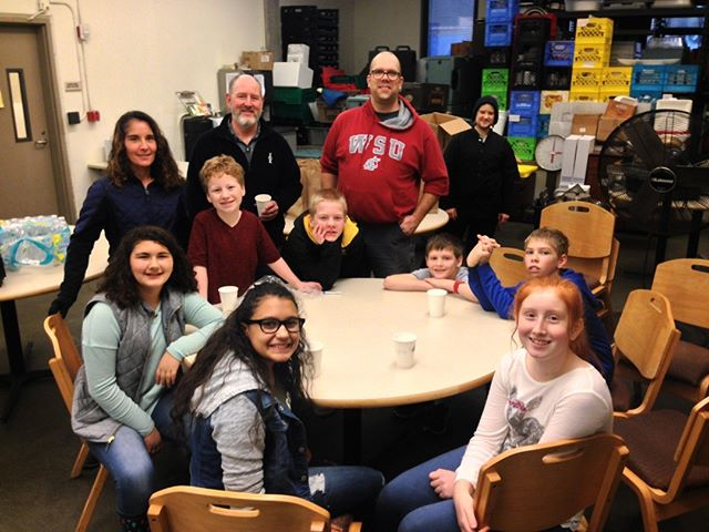 Thanks to @rainierchristianschools for volunteering and bring their own breakfast donations for the cold days ahead.