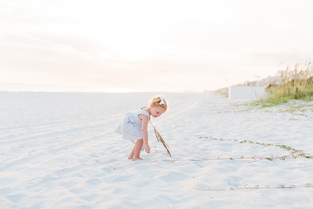 ISO During Golden Hour, Tips for Choosing ISO Settings Outside  by  Kindred Photography Workshops , photo by  Hazel and Haze Photography