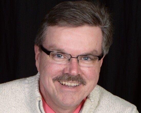 Bob Waedekin    Music Coordinator/Organist