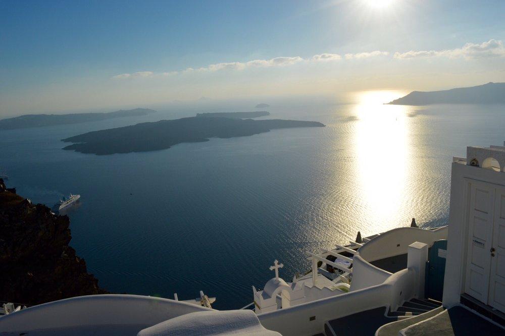 Firostefani-Santorini-image-.jpg
