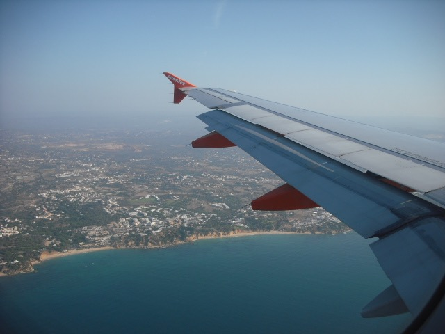 Pic-1_Travelling-Window-Seat.jpg