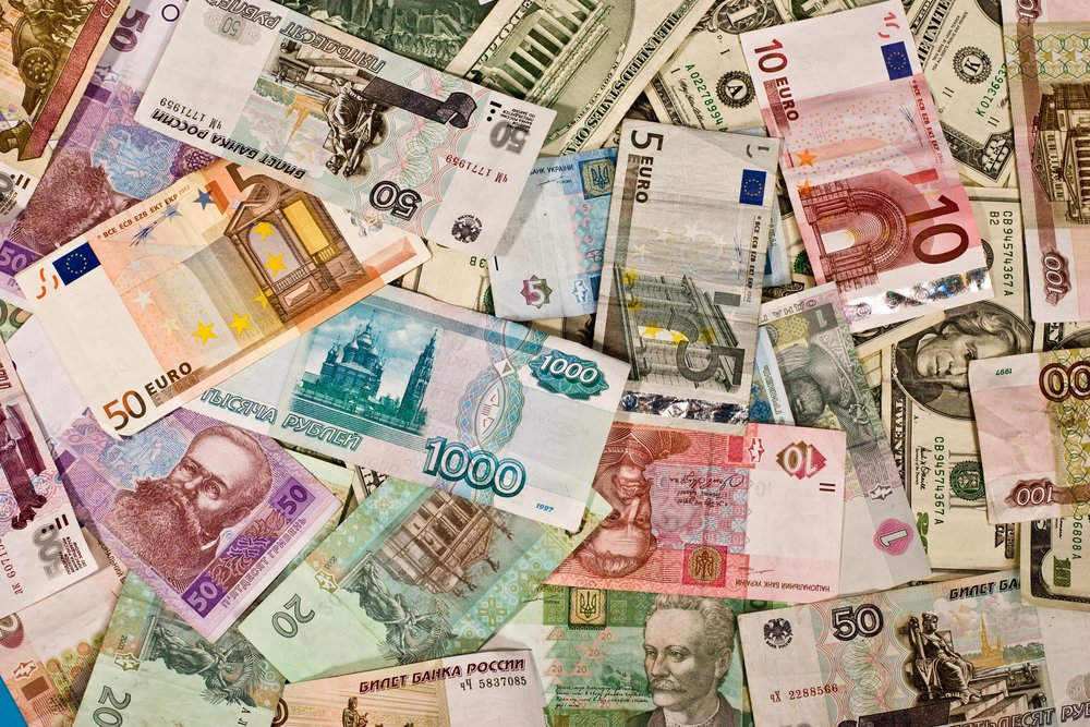 Cash or Card? – How to spend money abroad wisely