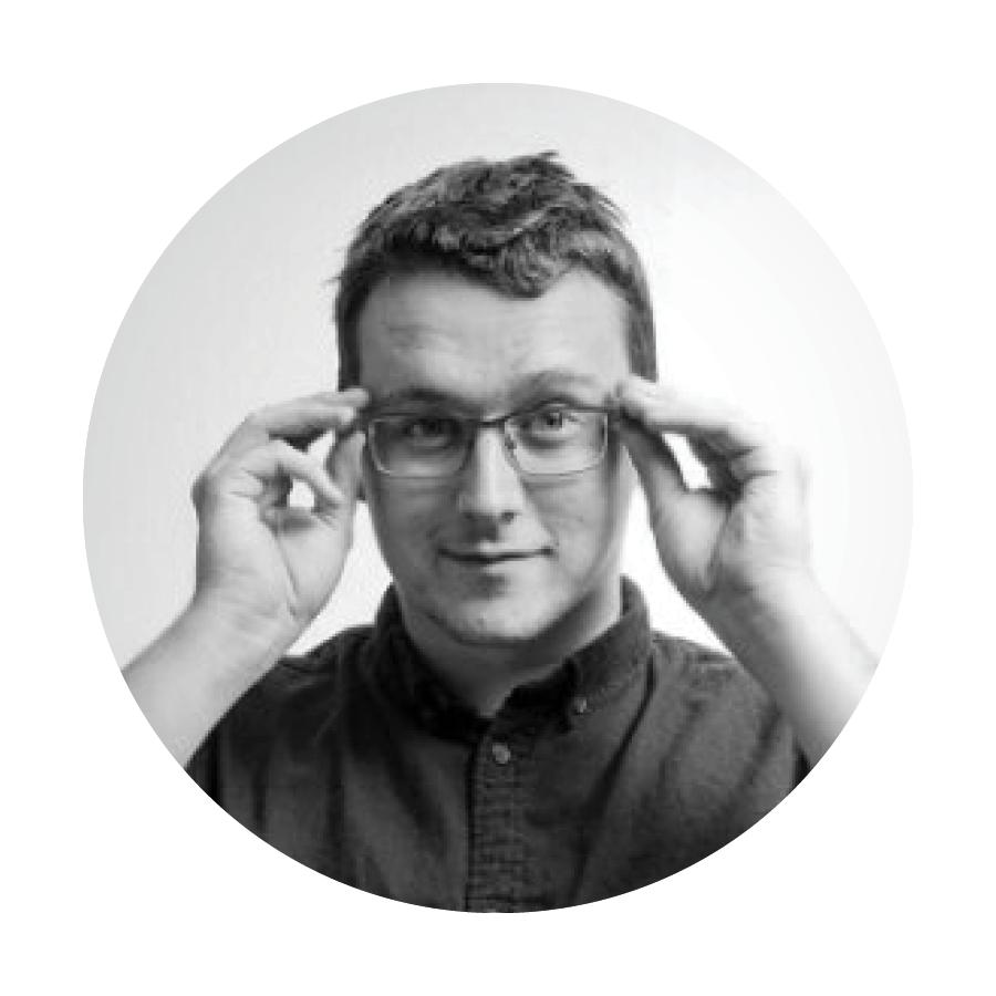 Conor Davies - headshot - round.png