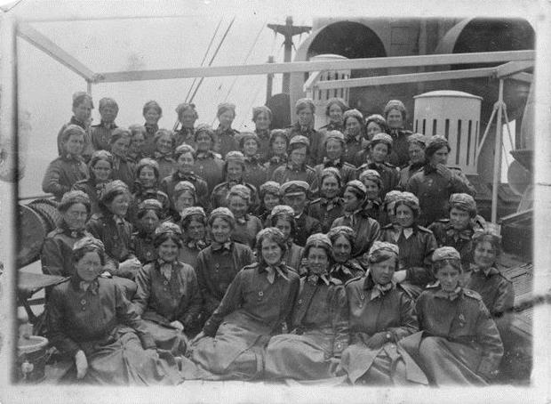 The First offical NZANS nurses depart New Zealand, 1915 -
