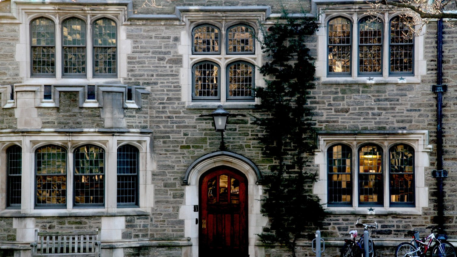 How to Choose a College: The Ultimate Guide to the College Decision
