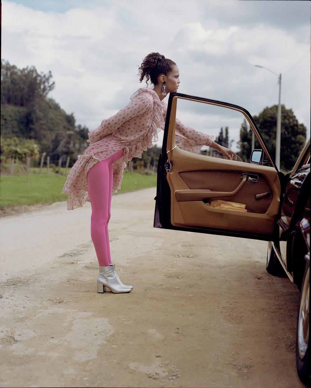 Outfit. La Couture Maison. Earrings. Disco Rojo.