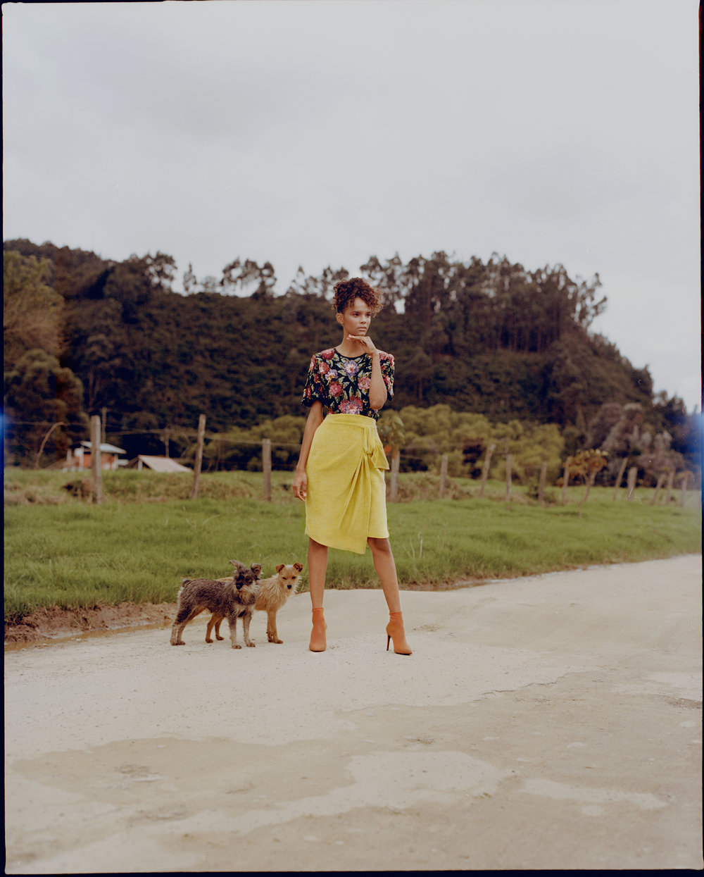 Top: Anónimo Colombia. Skirt: MLRR