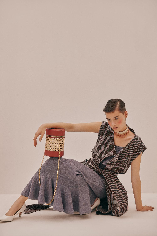 Vest: Pink Filosofy - Knitted dress: Alexandra Bueno - Shoes: Vintage Valentino - Bag & choker: Ballen Pellettiere