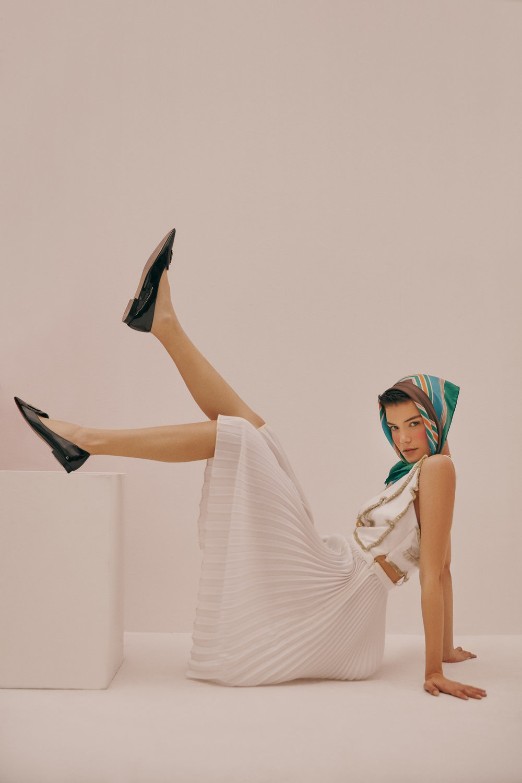 Dress: Alexandra Bueno - Scarf: Vintage Hermes - Shoes: Vintage Chanel