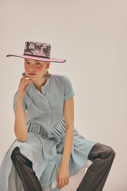 Dress:Carlo Carrizosa - Leather Pants: A new cross - Hat:Lina Osorio -Jewelry: LaSierra