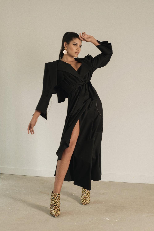 Dress. María Elena Villamil / Earrings & shoes. Zara
